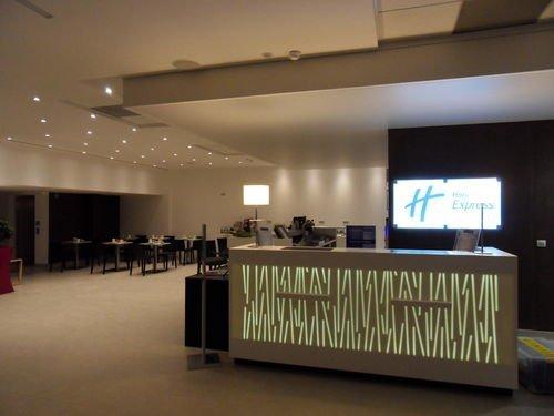 hotel 3 toiles avec piscine vitrolles proche de l 39 a roport marseille provence h tel. Black Bedroom Furniture Sets. Home Design Ideas