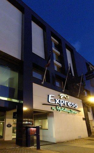 h tel holiday inn express amiens 2 toiles en centre ville avec parking priv h tel vendre. Black Bedroom Furniture Sets. Home Design Ideas